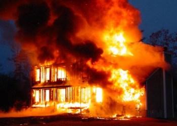 Fire in Siberian shopping mall kills 37