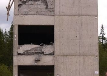Worker falls from eight storey building, estate tackles Lekki Gardens