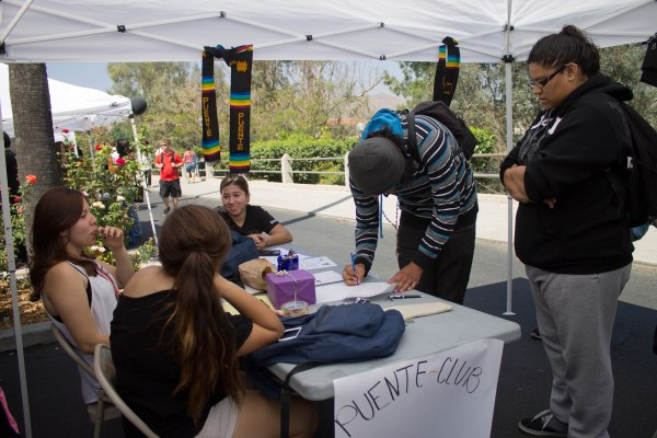 Riverside City College students signing up for the Puente Club during Club Rush on Sept. 17. (Luis Solis | Asst. Photo Editor)