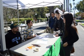 The Puente club interacts with students at RCC's Club Rush.