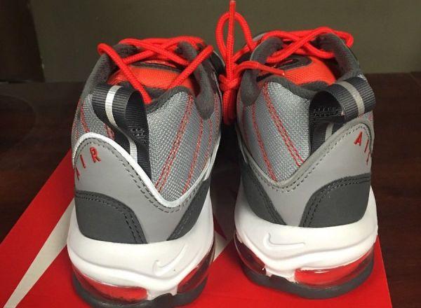 Nike-Air-Max-98-Total-Crimson-640744-006-Heel
