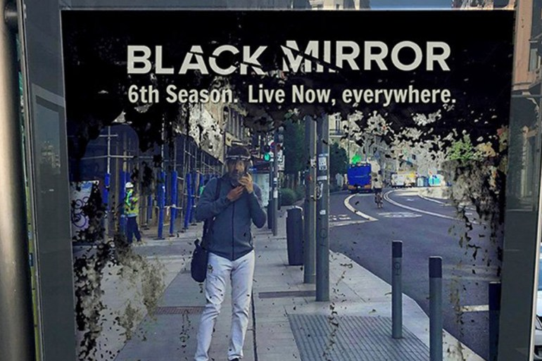 black mirror campagne pub