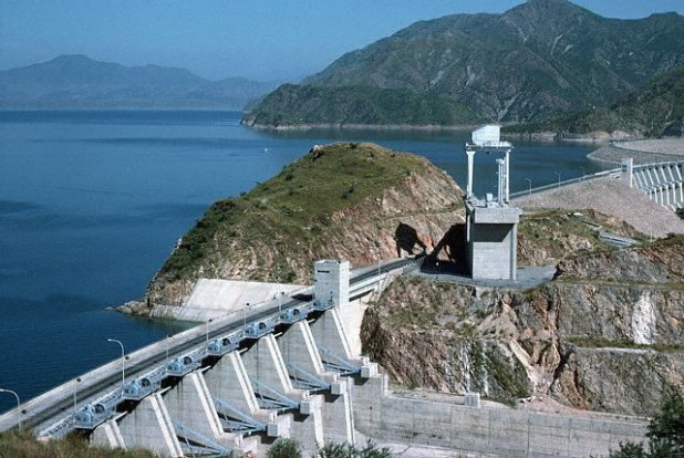 Tarbela Dam remains Pakistan's largest water reservoir which was built in 1974. United States has been helping Pakistan in upgrading the power generation capacity from its reservoirs. (Photo by US embassy Pakistan)