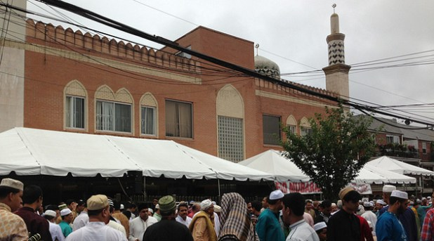 Muslim worshippers coming out of Jamaica Muslim Center in Queens. (Photo by Jehangir Khattak)