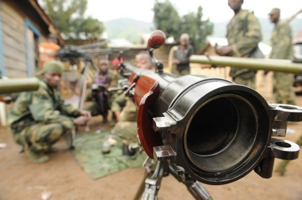 A recoilless rifle in use with the FARDC and captured from the DRC armed group M23 during operations in 2013. The weapon is now being deployed for use against the FDLR in Tongo, Rutshuru Territory, North Kivu province. (Photo by Guy Oliver/IRIN)