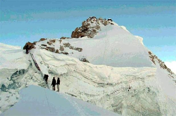 Finalizing India's offers on Siachen and Sir Creek should be part of the agenda for the first 100 days that Prime Minister Narendra Modi has asked for. Picture shows soldiers climbing Siachen. (Photo via The Hindu)