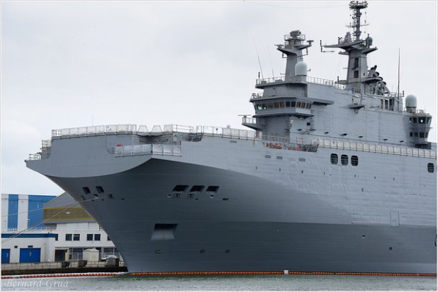 "Mistral Class Vessel ""Vladivostok"" currently being armed. (Photo by Bernard Grua, Creative Commons License)"
