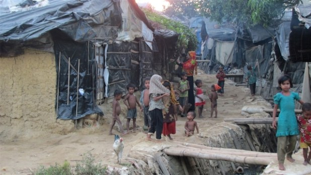 An unregistered Rohingya refugee camp in southern Bangladesh.  (Photo by Mushfique Wadud/IRIN)