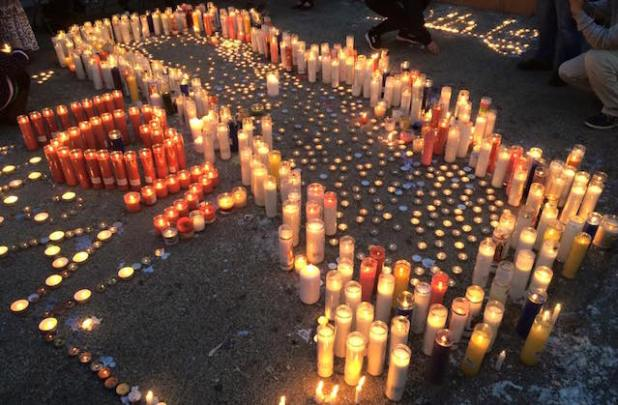 Candles at a vigil organized by a Nepali community organization in Jackson Heights, New York, in memory of the Nepal earthquake disaster victims. (Photo via Khasokhas, New York)