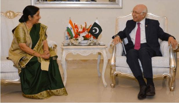 Indian External Affairs Minister Suhsma Swaraj meeting Adviser to Pakistan's Prime Minister on Foreign Affairs Sartaj Aziz in Islamabad on December 9, 2015. (Photo via PIS, Pakistan)