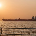 Sunrise on Vereda del Lago and Eagle Austin Ship in Maracaibo lake, Venezuela. (Photyo by Wilfredorrh, Creative Commons License)