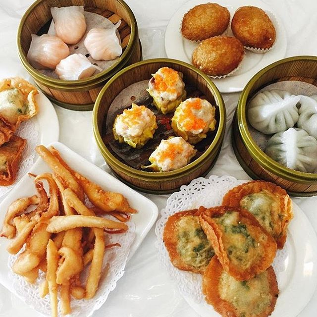 restaurants open on christmas day in toronto