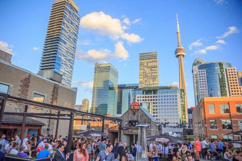 The Porch Top Toronto Patio | View the VIBE Toronto