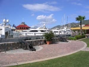yacht-haven-grande-charlotte