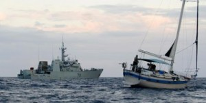 Canadian-Navy-helps-seize-700-kg-of-cocaine-in-Caribbean-Sea-320x160