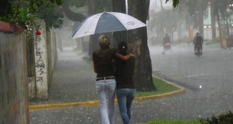 La ONAMET pronostica incremento de nubosidad y lluvias por Onda Tropical