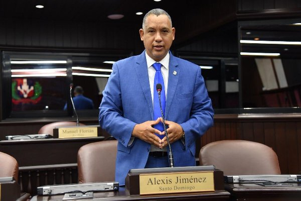 Diputado Alexis Jiménez resalta anuncio de presidente Abinader de construir una extensión de la UASD en SDE