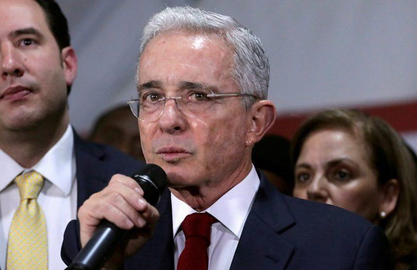 Jueza dirá el sábado si Uribe debe continuar o no en detención domiciliaria