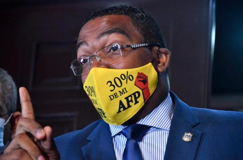 Botello asegura existe una supuesta negociación para eliminar 30% AFP
