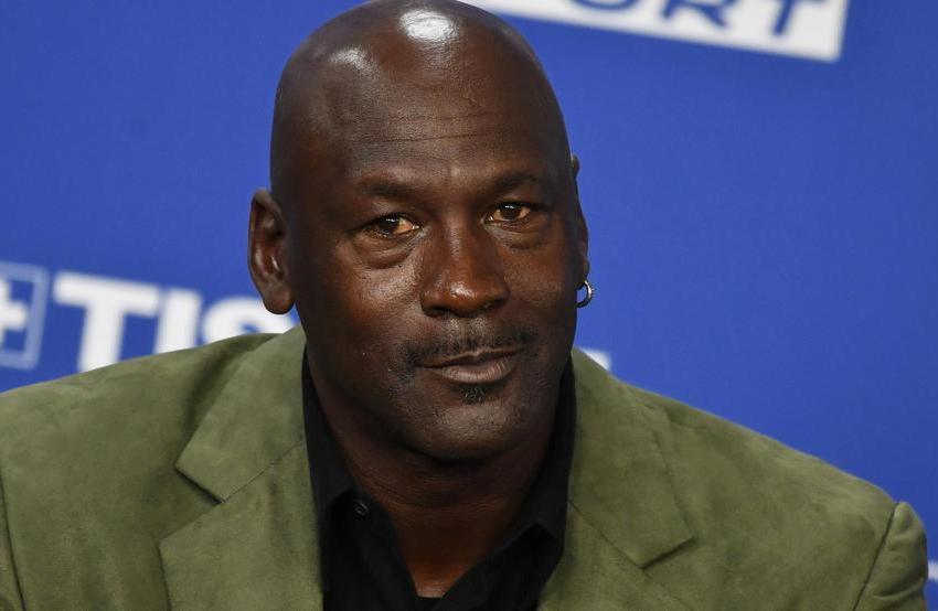 Jordan dona dos millones de dólares de «The Last Dance» a»Feeding America»