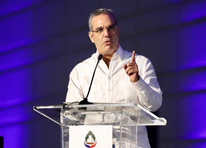 Alcaldes celebran anuncio del Presidente Luis Abinader