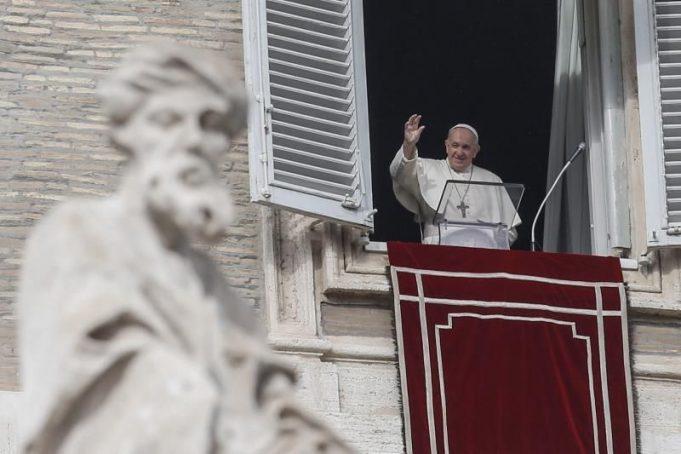 El papa lamenta que el consumismo «ha secuestrado la Navidad»