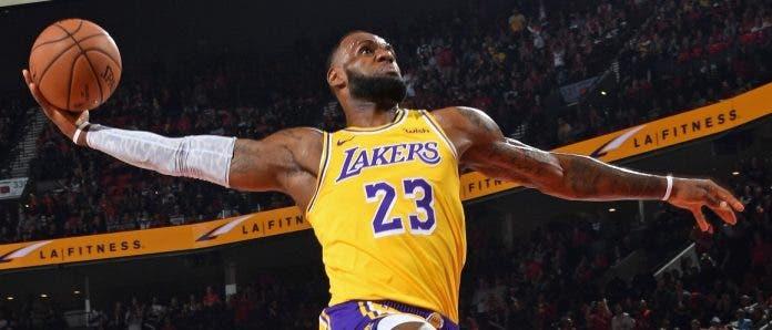 Hoy sonará el silbato que da inicio a la NBA y desde ya los Lakers salen favoritos