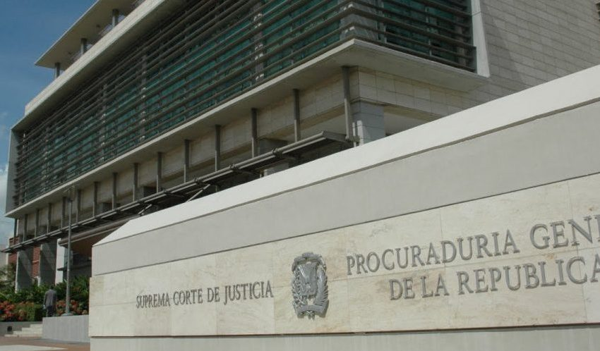 """Fiscalía DN deposita acusación contra los tres responsables de echar """"ácido del diablo"""" a Yocairi Amarante"""