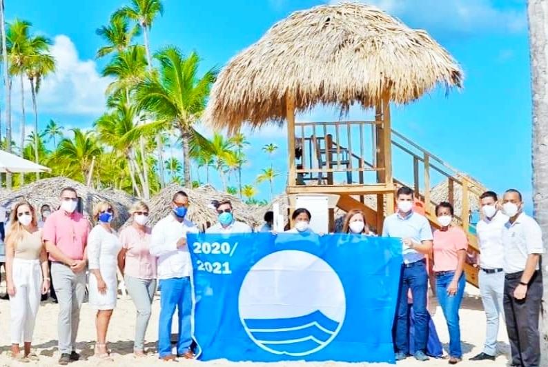 """IDARD certifica 24 playas de República Dominicana con la ecoetiqueta internacional """"Bandera Azul"""" 2020 – 2021"""