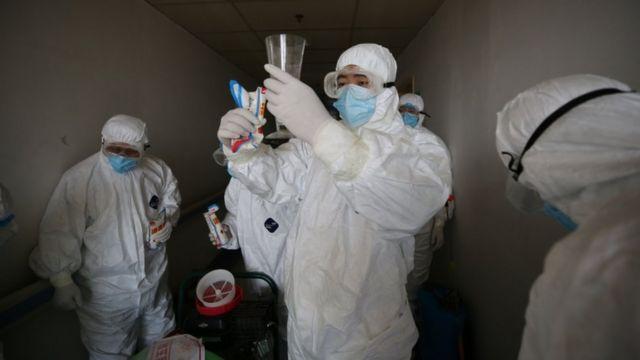 China detecta 9 contagios locales entre sus 25 nuevos casos de COVID