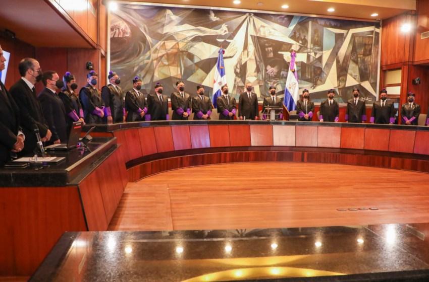 Presidente asiste a la audiencia solemne por el Día del Poder Judicial