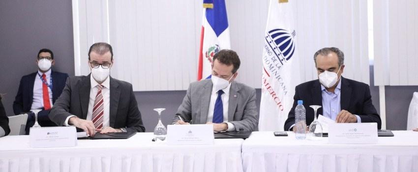 MICM y ADIPLAST promoverán el crecimiento sostenible de industrias de plásticos en RD