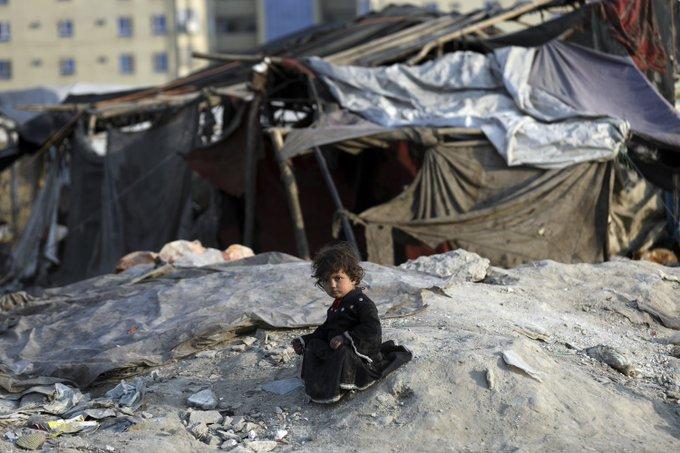 ONG pide ayudas millonarias para los niños afganos en 2021