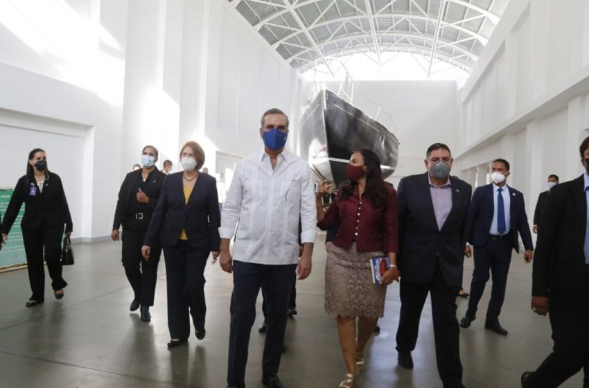 Abinader inspecciona trabajos de renovación de museos de la Plaza de la Cultura Juan Pablo Duarte
