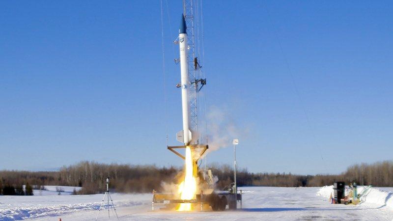 Compañía de Maine lanza con éxito prototipo de cohete