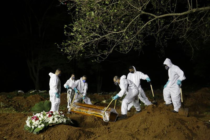 Brasil mejora, pero sigue en riesgo en plena pandemia