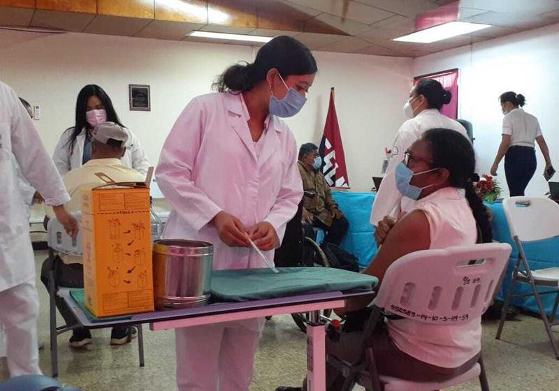 BCIE presta a Nicaragua 100 mdd para compra de vacunas