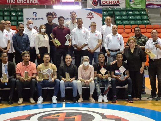 ABASACA premia los más destacados del torneo 41 del baloncesto superior de Santiago