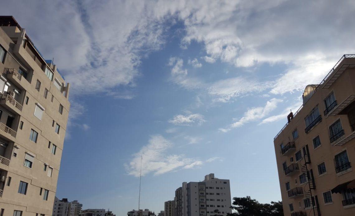 La ONAMET pronostica cielo de nubes dispersas y sol
