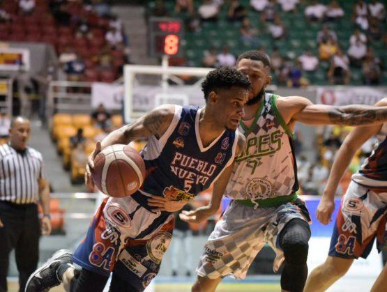 Pueblo Nuevo pica delante en la final del Baloncesto Superior de Santiago