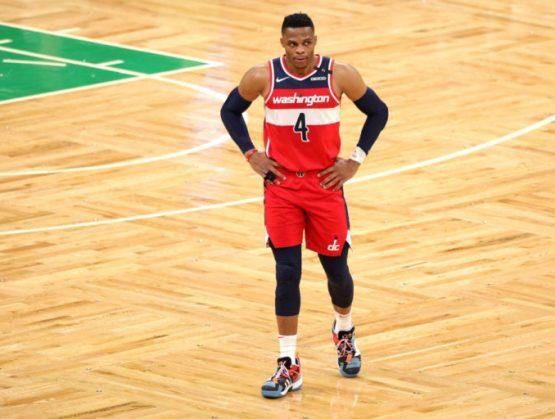 Russell Westbrook se convierte en líder de triples-dobles en la historia