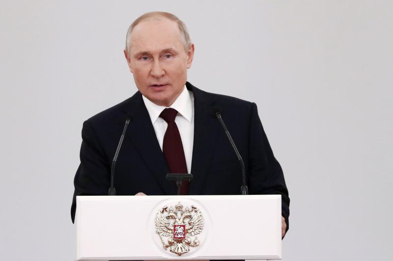 Putin revela que se vacunó con la Sputnik V rusa