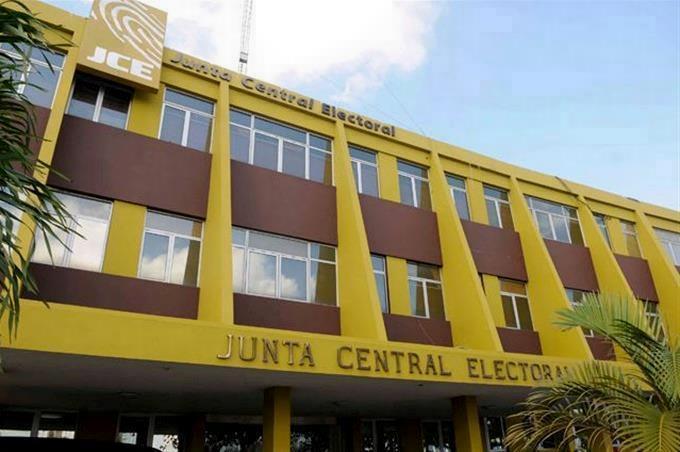 Tres meses de prisión preventiva para empleado de la Junta Central Electoral acusado de robar equipos informáticos de esa institución