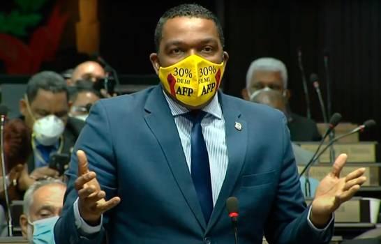 Consejo de Disciplina de la Cámara de Diputados sanciona a Botello por protestas