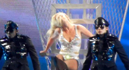 Britney Spears is on Tour and is Still Under Mind Control
