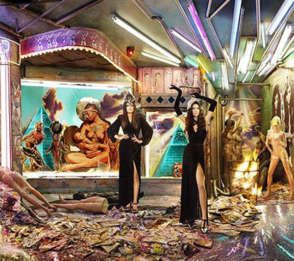 The Kardashian 2013 Christmas Card: A Tribute To The