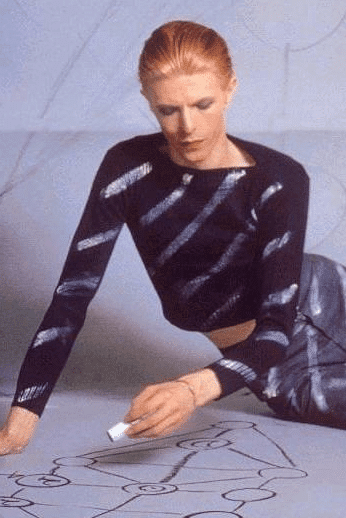 Bowie drawing the Kabbalistic tree of life.