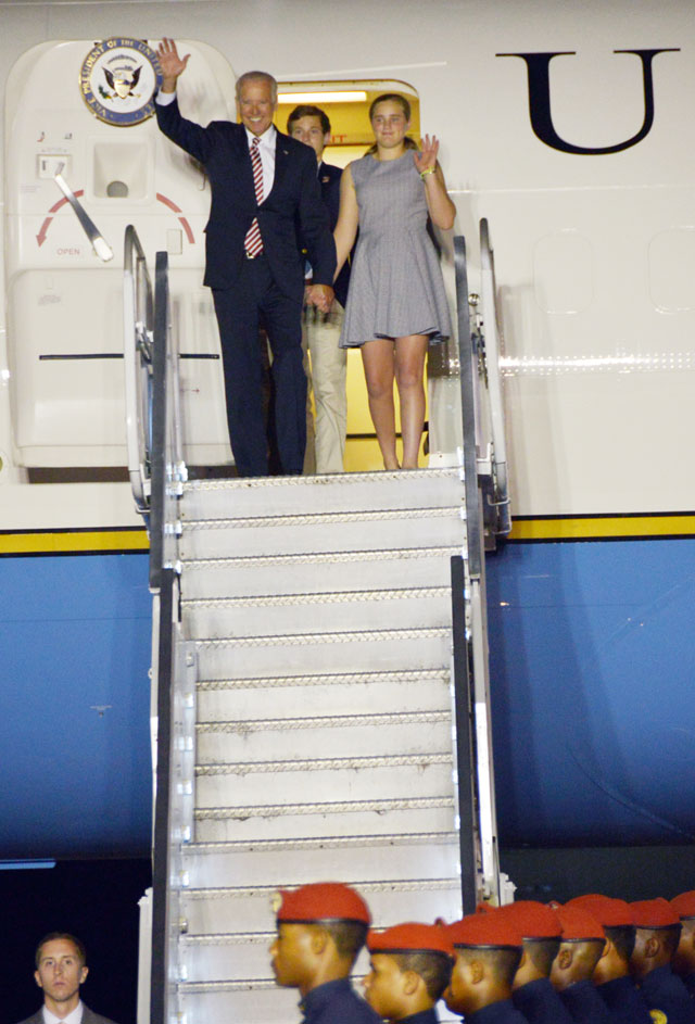 Vicepresidente de Estados Unidos llegó a RD para reunirse con el presidente Medina