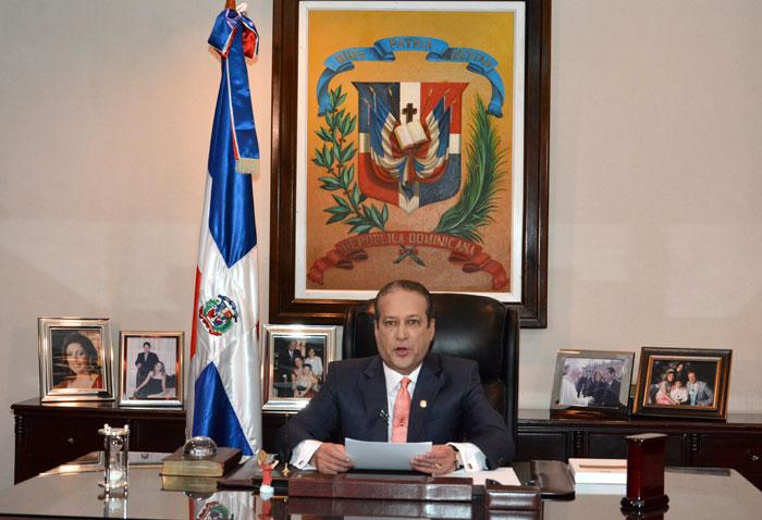 Reinaldo dejará Presidencia del Senado para buscar Presidencia de la República