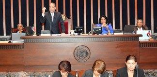 Los senadores echaron a dormir el proyecto que declara Loma Miranda Parque Nacional hasta agosto.